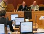 Вновь избранные свердловские депутаты получали мандаты под музыку из к/ф «Крестный отец»