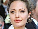 Россиянок охватила «голливудская болезнь»: они просят им сделать губы как у Анджелины Джоли и грудь как у Памелы Андерсон