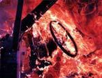 В Свердловской области пьяная компания избила таксиста и сожгла его машину