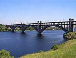 В Запорожье с Преображенского моста сняли очередного самоубийцу