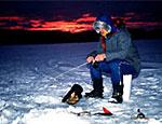 На Енисее УАЗ с рыбаками провалился под лед