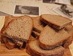 Урал: в Краснотурьинске на месяц остановили работу пекарни, в которой обнаружили мух и тараканов