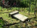 В Свердловской области задержан кладбищенский вандал