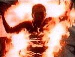 На родине Ельцина неизвестные подожгли дом с пенсионеркой