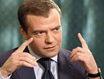 Медведев пообещал защитить СМИ от чиновников