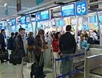 В Москве из-за грозы десятки туристов опоздали на свои самолеты