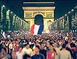 День взятия Бастилии Франция отметила пожарами и арестами журналистов