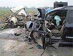 В результате лобового столкновения под Екатеринбургом погибли 2 человека, 3 пострадали
