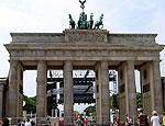 Германия не любит Саакашвили, но вынужденно помогает