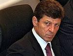 Дмитрий Козак пообещал донести до Владимира Путина требования москвичей об отставке Лужкова и Громова