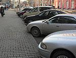 Свердловская прокуратура отменила запрет властей Верхней Пышмы на парковку автомобилей возле домов