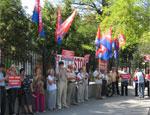 В Симферополе протестуют против проведения военных учений на крымских полигонах (ФОТО)