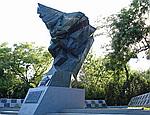 В Одесской области вандалы разграбили памятник погибшим воинам-десантникам