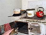 В Слободзейском районе одиноким старикам помогают дровами