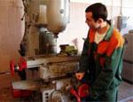 Работник фирмы был восстановлен на прежнем месте работы в связи с незаконным увольнением