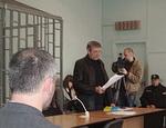 В Симферополе суд отказался слушать на русском языке дело об отмене украинской Конституции Крыма