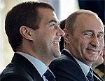 Рейтинг президента РФ падает, а премьера – держится