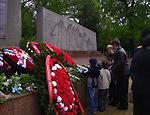 Депутат Госдумы потребовал объяснений в связи с судом в Краснодаре «за возложение цветов 9 мая»