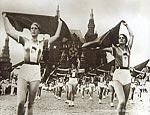 «Большой спорт» спасет российских чиновников?Социальные неудачи прикроют спортивными достижениямиПо мере того, как социально-политическая жизнь в России становится все более виртуальной, власти все чаще стараются опереться на символические победы, роль ко