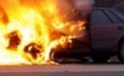 В Москве произошел пожар в грузовике, водитель едва не сгорел