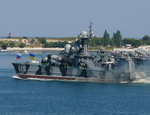 Ющенко требует от ЧФ поднять украинские флаги над всеми кораблями