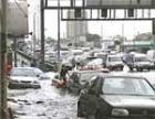 В Челябинске произошла крупная коммунальная авария, затоплено Копейское шоссе
